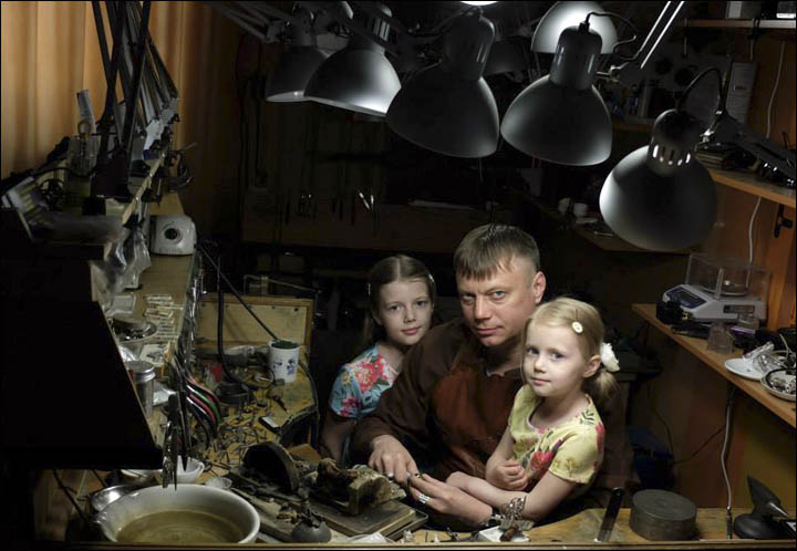 Alexey Baburov with daughters