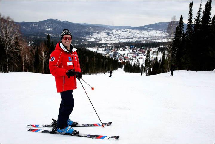 Fil d'actualité des Jeux Microlympique d'hiver Inside%20medvedev%20alone%20with%20his%20ski