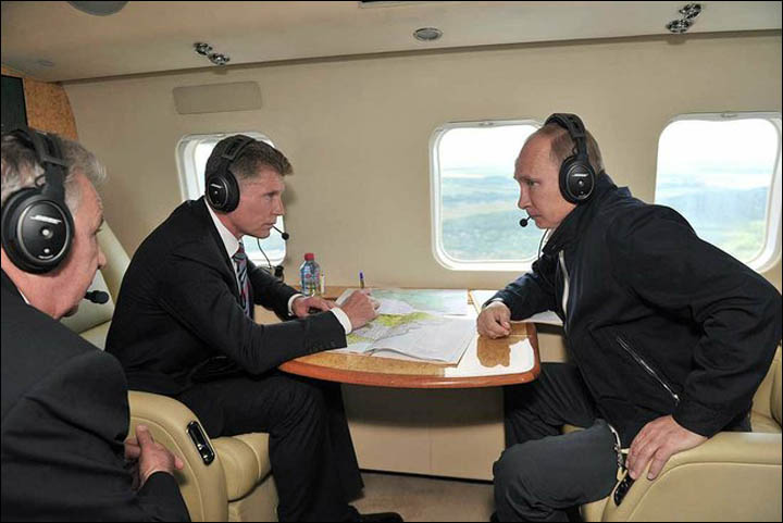 Vladimir Putin inspects flooded area in the Far East of Russia