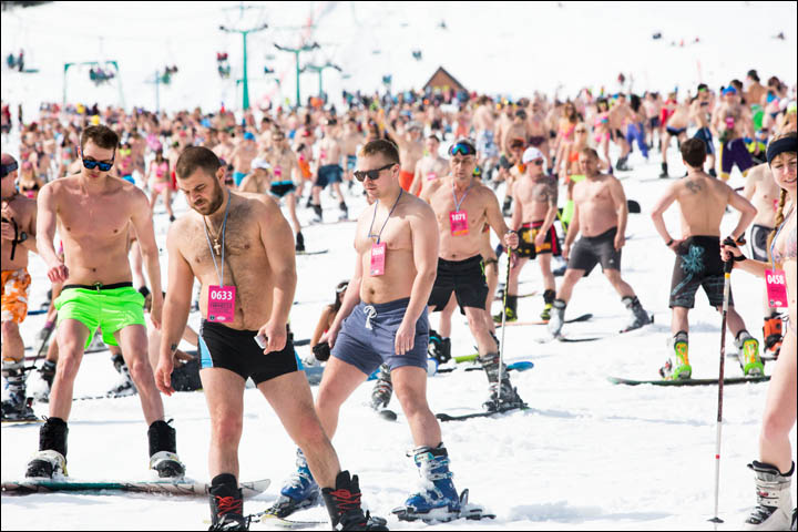 New world record for glamorous swimwear parade on skis and snowboards