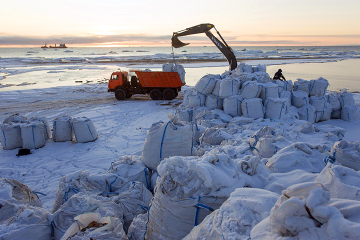 Detoxifying the Arctic - 10,600 tons of waste removed from Franz Josef Land archipelago