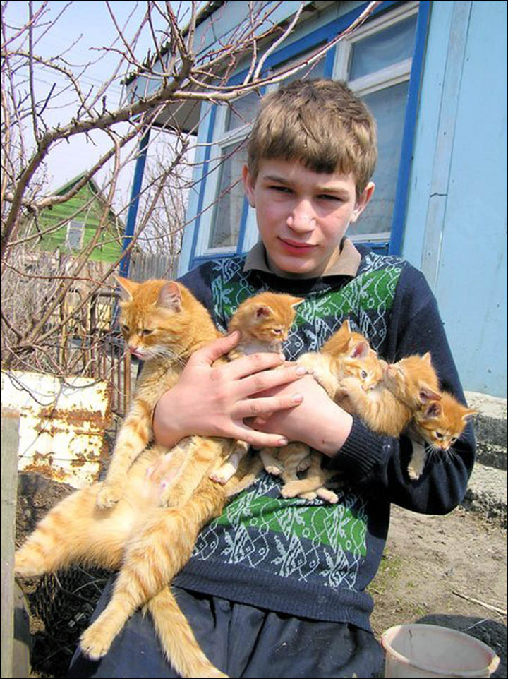 Siberian farmer's cats become an unexpected Internet sensation