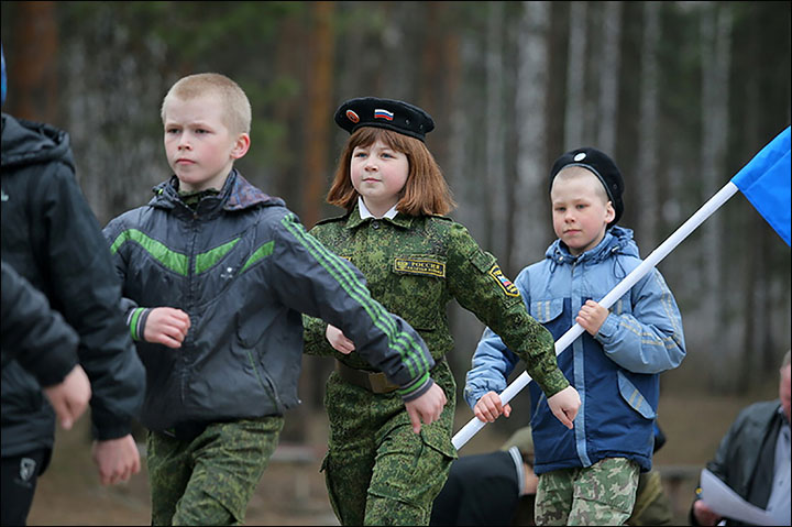 Teaching Cossack traditions to today's children