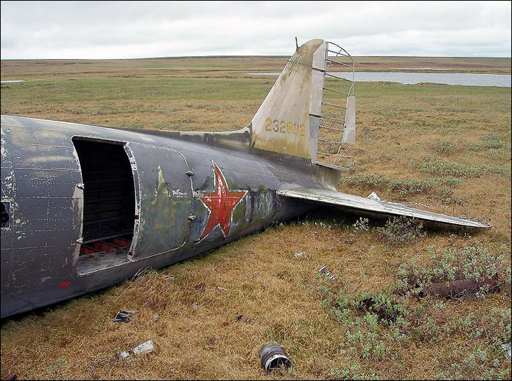 joint Russian-American expedition sets out to bring home crashed wartime Douglas C-47 from tundra