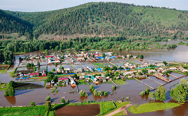Flood apocalypse in Eastern Siberia kills five and maroons 9,919 whose homes destroyed or damaged