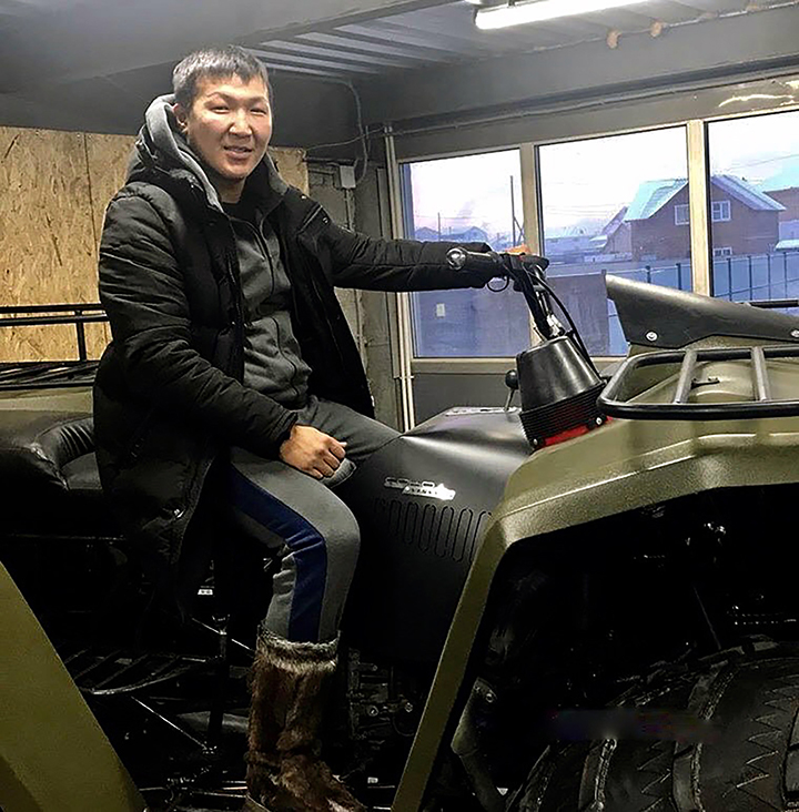 Hero Yakutian postman walked 350km through mud and icy water to deliver 97kg of post