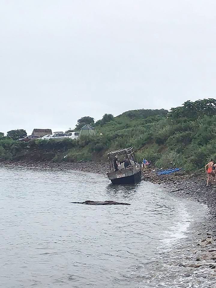 Boat near Russky island found on August 25