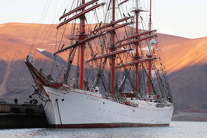 Giant sailing ship encounters no ice as it attempts the Northern Sea Route