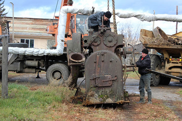 Steam engine delivered to museum