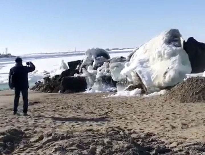 Ice tsunami in the extreme north of Russia means summer is finally here