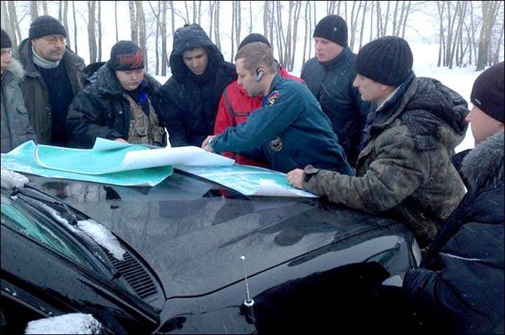 Russia's online rescue service saves two men lost in snow up to their chests in Siberia