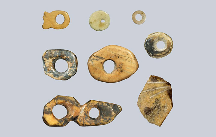 Beads found in Denisova Cave