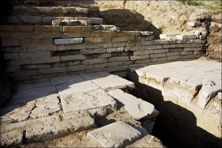 Walls of Por-Bajin