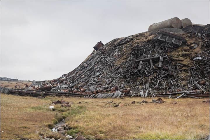 Arctic garbage