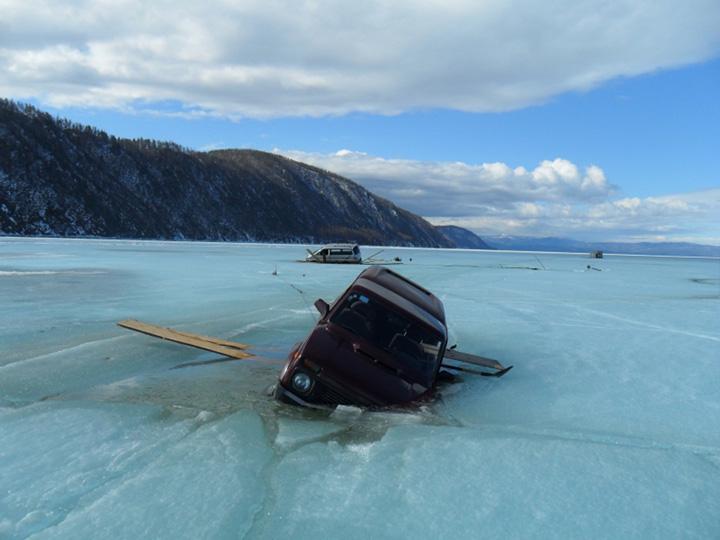 Cars stuck in Baikal