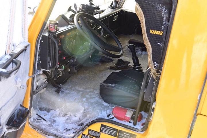 Car fell through the ice