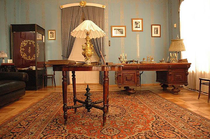 hunt for missing Romanov treasures