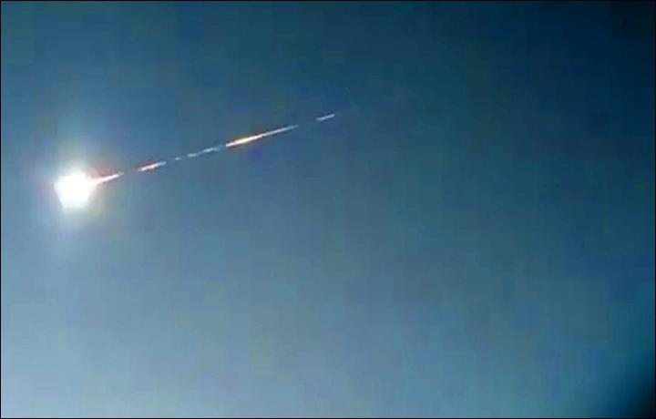 Meteorito explota en Kamchatka, Rusia.(Video viral)